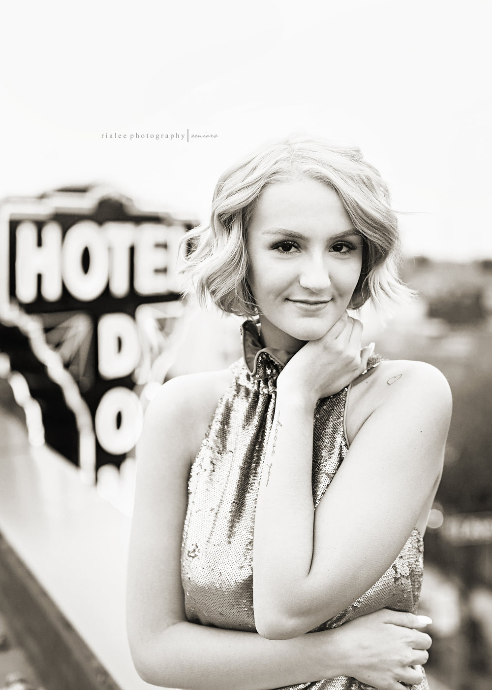 downtownfargoseniorphotographer.jpg