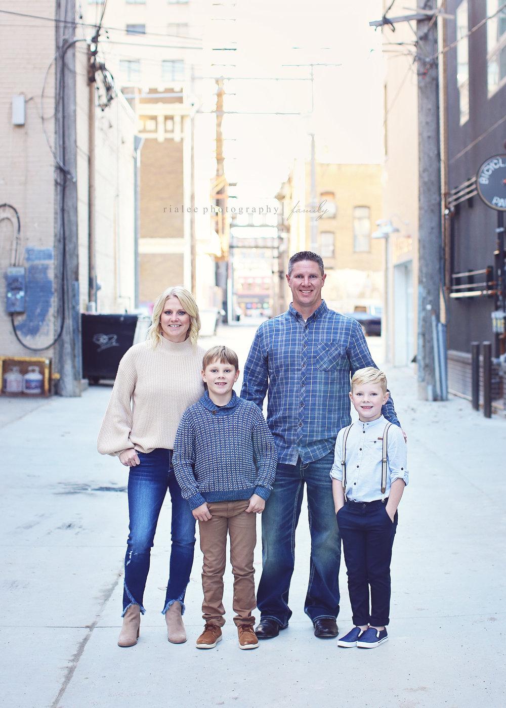 coolfamilyphotographersfargo.jpg