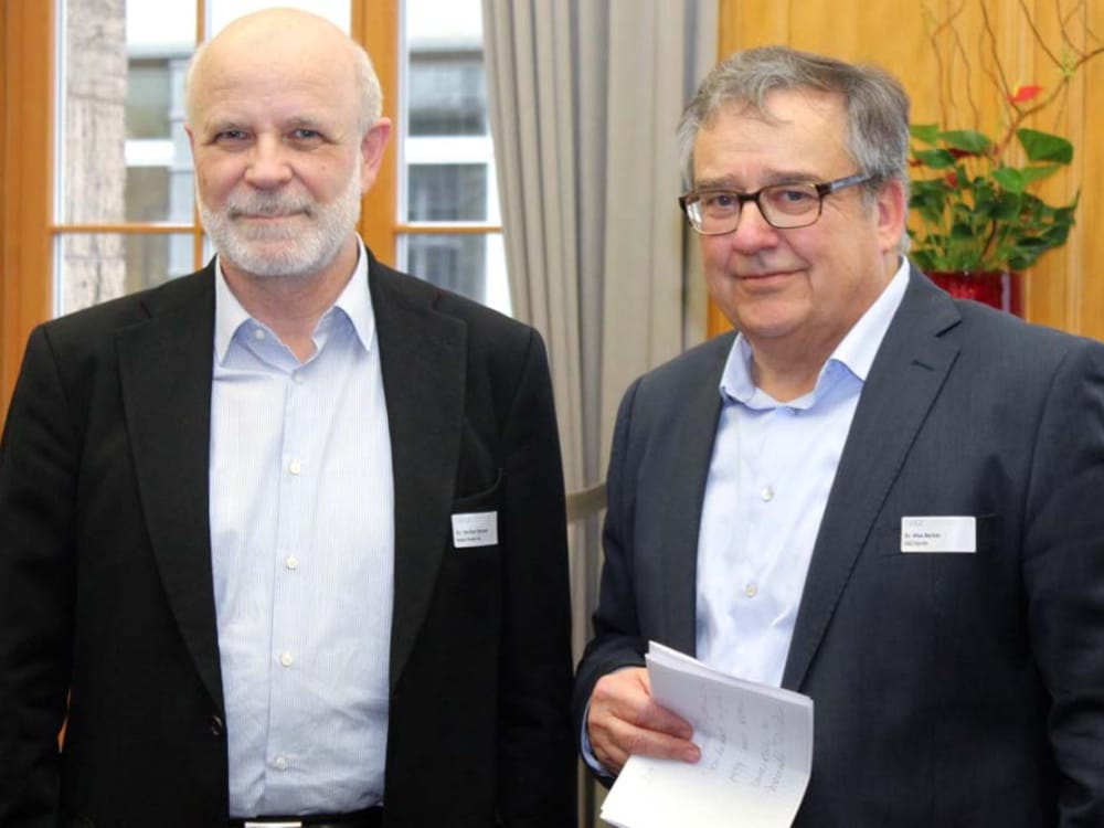 "Dr. Herbert Wanner (links) und Dr. Max Becker (rechts) am CGZ Forum ""Internet of Things"""