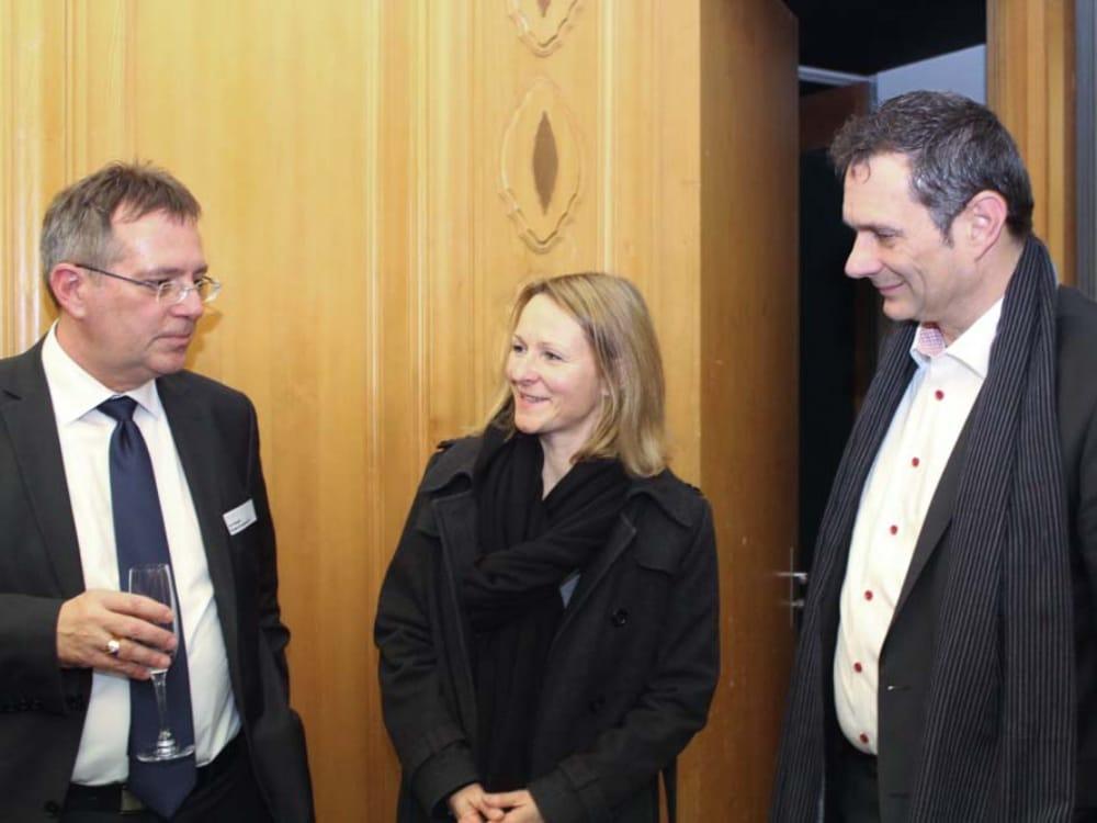 """Vorname Nachname (links), Vorname Nachname (Mitte) und Dominique Kunz (rechts) am CGZ Forum """"Internet of Things"""""""