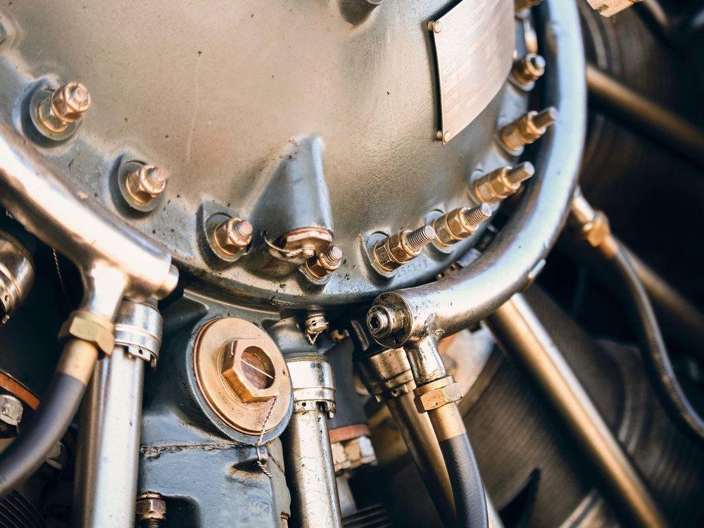 Nahaufnahme eines alten Flugzeug-Sternmotors