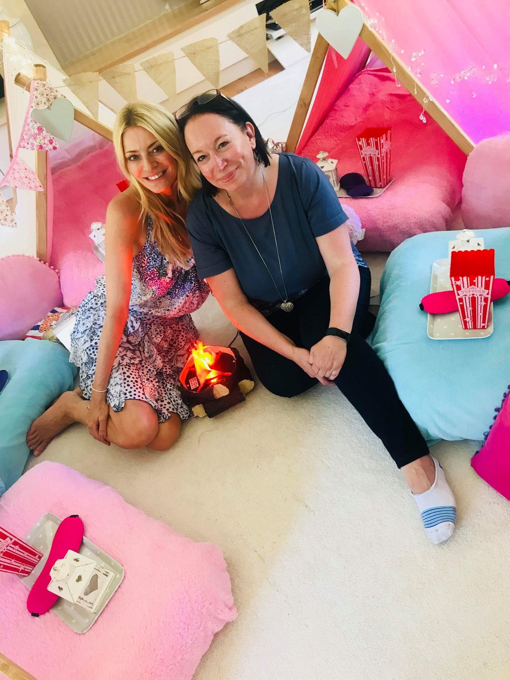 Founder, Sarah, and the lovely Tess Daly when we went to set up a SleepUnder for her daughter; Amber.