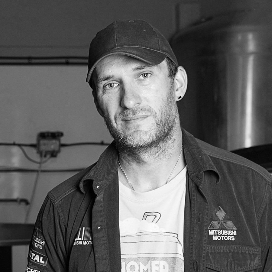 STEW SOUTHERN    Lead Brewer   Stew is our Lead Brewer which means he does the day-to-day brewing and managing of our brewery. It's a tough job that requires precision, dedication, passion, and hard work. Without all of this, our beer wouldn't be as good as it is.