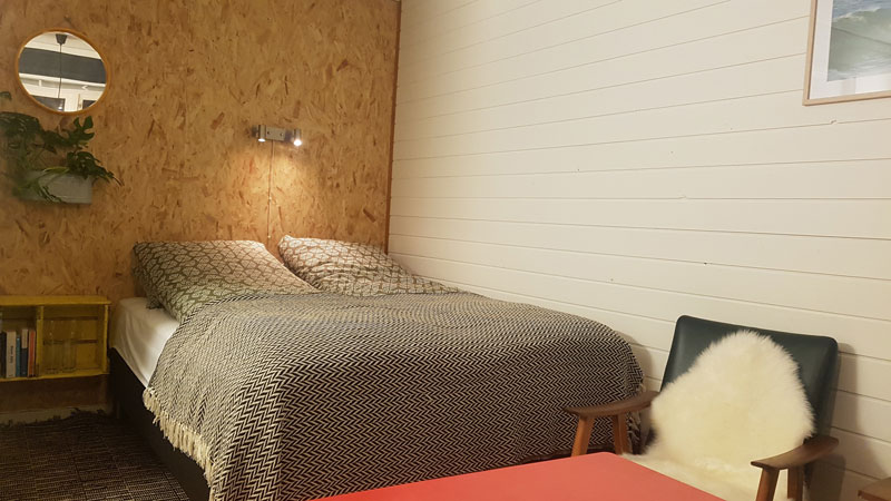 Surfer-room-15m2-rawoceanlodge.jpg