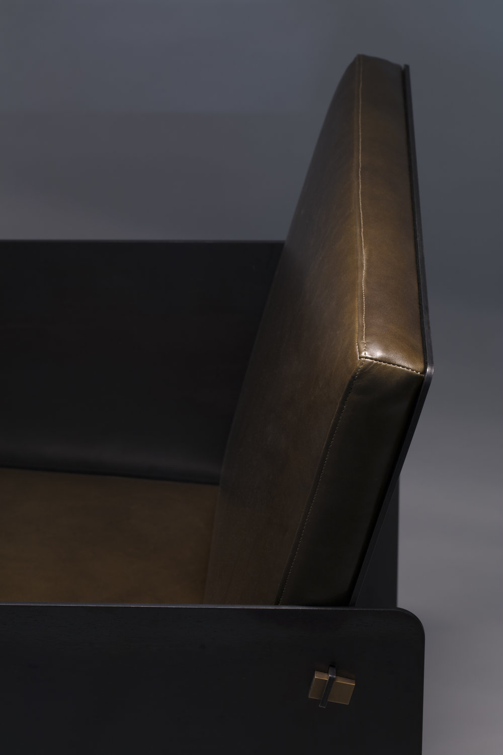 Plate Chair by APD Argosy Product Division