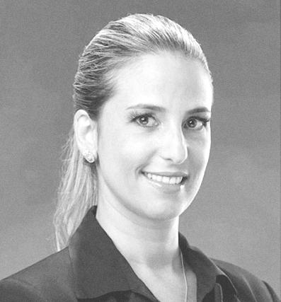 CAROLINA DOSTAL - Gestão de Linkedin ProfileCarolina é formada em Administração de Empresas, Pós Graduada em Marketing de Serviços, com Extensão universitária pela FGV e MIT em Empreendedorismo.Carolina também é especialista em Marketing Digital e coach pelo Instituto Brasileiro de Coaching. Com mais de 10 anos de experiência em gestão comercial em empresas dos segmentos de automação industrial, mercado de serviços digitais, publicidade e software, Carolina atualmente presta assessoria especializada na elaboração e remodelagem de perfil no LinkedIn para profissionais de diversos setores, para que tenham mais destaque na maior rede profissional do mundo.