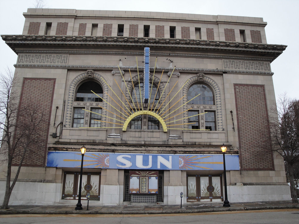 Sun-Theater-St-Louis-2.jpg