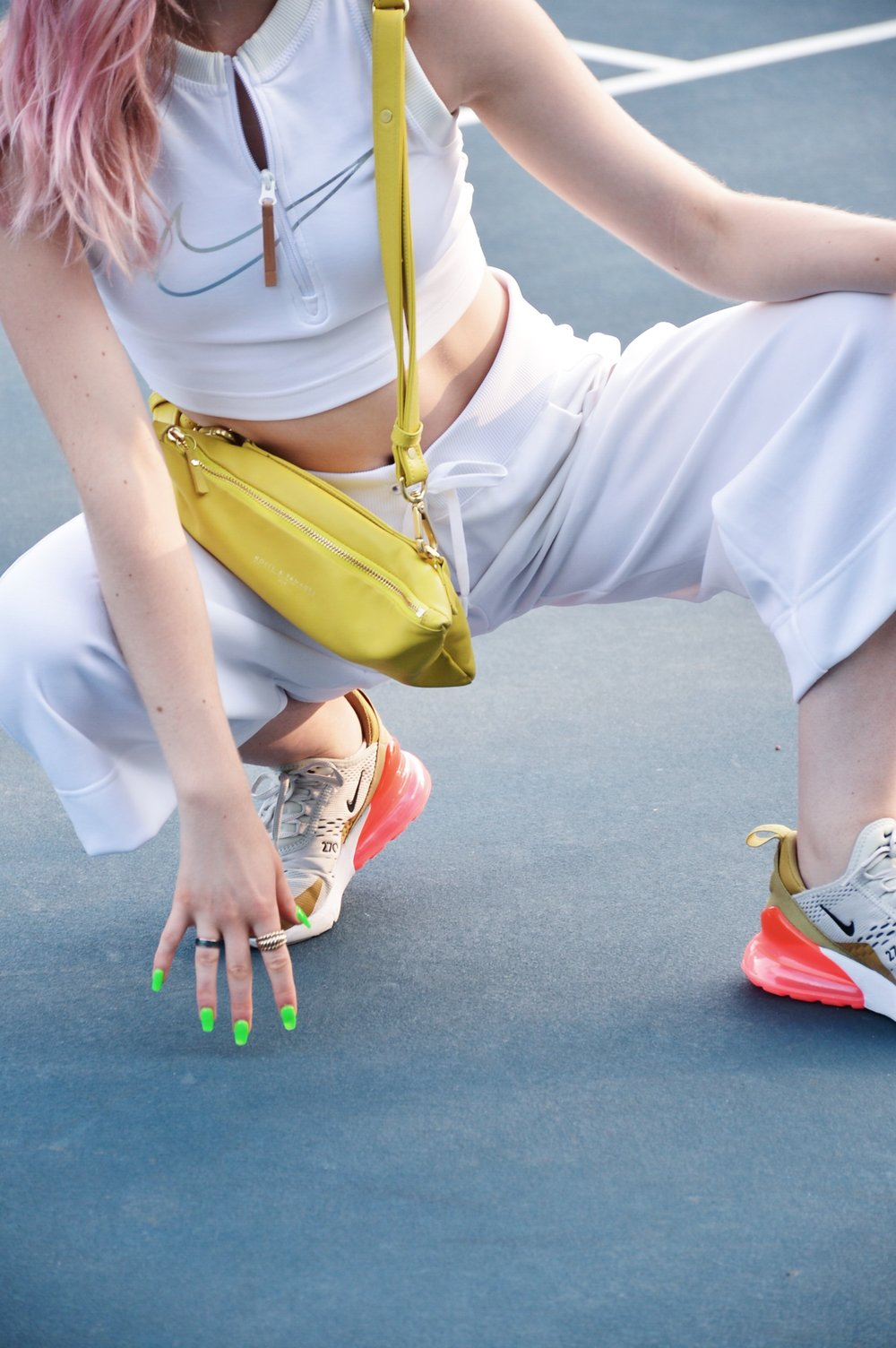 monochromatic-white-outfit-nike-270s.JPG