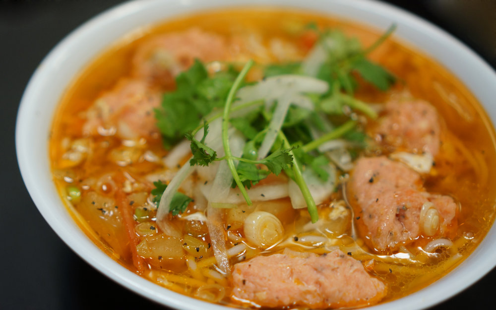 Bún Tôm Cua - Vermicelli noodle in a light shrimp and pork broth with shrimp balls