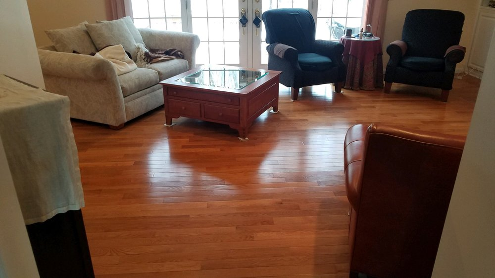 Beautiful hardwood installed by Terry and his team!  Mullican St. Andrews  Color: Oak Caramel