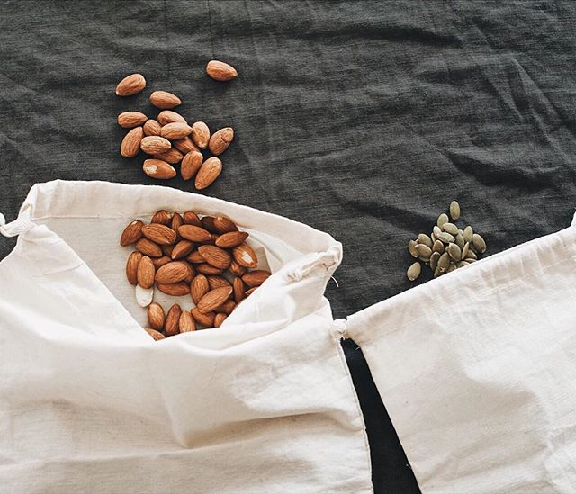 Love going to bulk food stores. It's a good excuse to use my lovely produce bags 😍  #almond #almonds #nuts #bulkstore #homewares #groceryshopping #shopping #sustainable #kitchen #plasticfree #zerowaste #zerowastelifestyle #onthetable #seeds #cooking