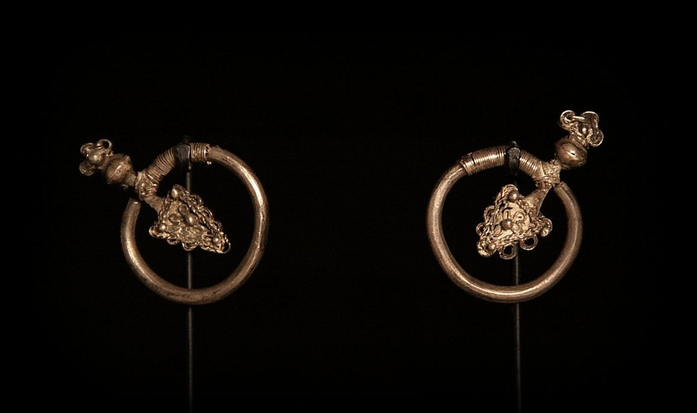 Antique Silver Arrow Earrings. Hmong Hilltribe. Laos.jpg