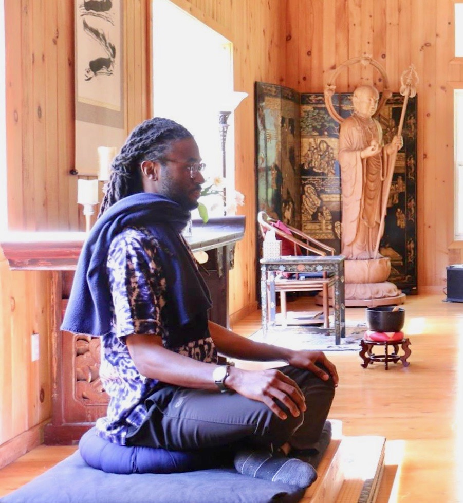 IAAM Facilitator - Corey CastleCorey Castle, a social worker (MSW) and mindfulness facilitator, supports mindfulness in the African American community and Communities of Color through meditation, mindful movement, and the healing power of music.