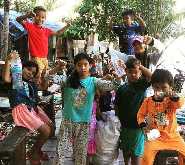 Down with dumping garbage on the beach! Take care of our paradise 🌴 FoKR community beach cleanups every Saturday for 5 years now... join the movement #beachcleanup #kohrong #protectparadise #environmentaljustice #island #conservation #khmerican #cambodian