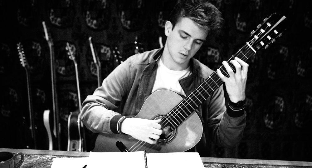 Eirian Lewis, Classical Guitar