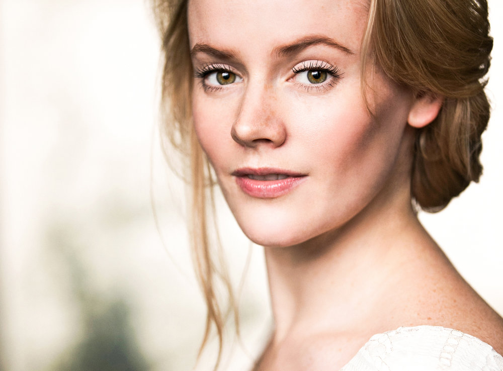 Lizzie Holmes, soprano and founder of DEBUT