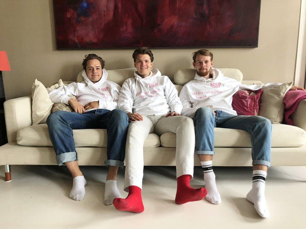 BOLD100 - BOLD100 är tre män som springer 100km. Vi gör det för att samla in pengar för bröstcancerforskning. Insamlingen sker via Rosa Bandet.Vi i BOLD100 springer distansen mellan Helsingfors och Ekenäs 31 Augusti 2018. Det blir 100 km.