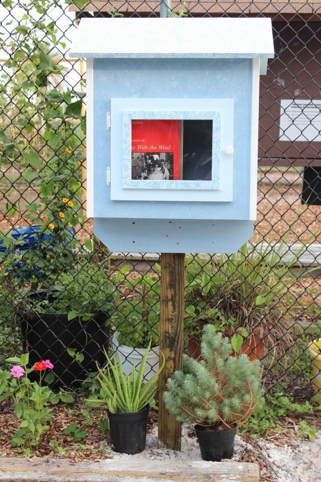 gardenlibrary.jpg