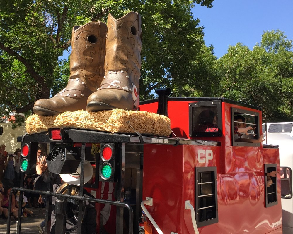 parade float-cowboy boots display.JPG