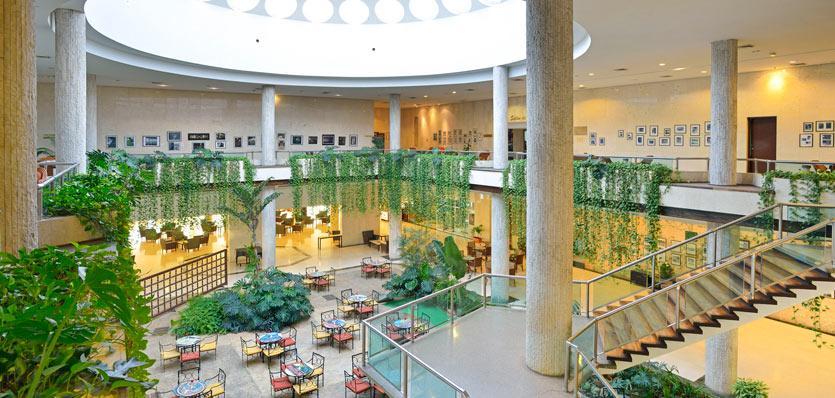 07tryphabanalibre-lobby.jpg