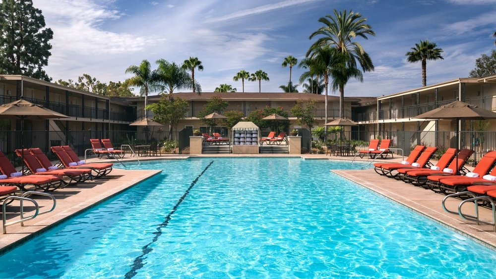 Hyatt-Regency-Newport-Beach-Pool.jpg