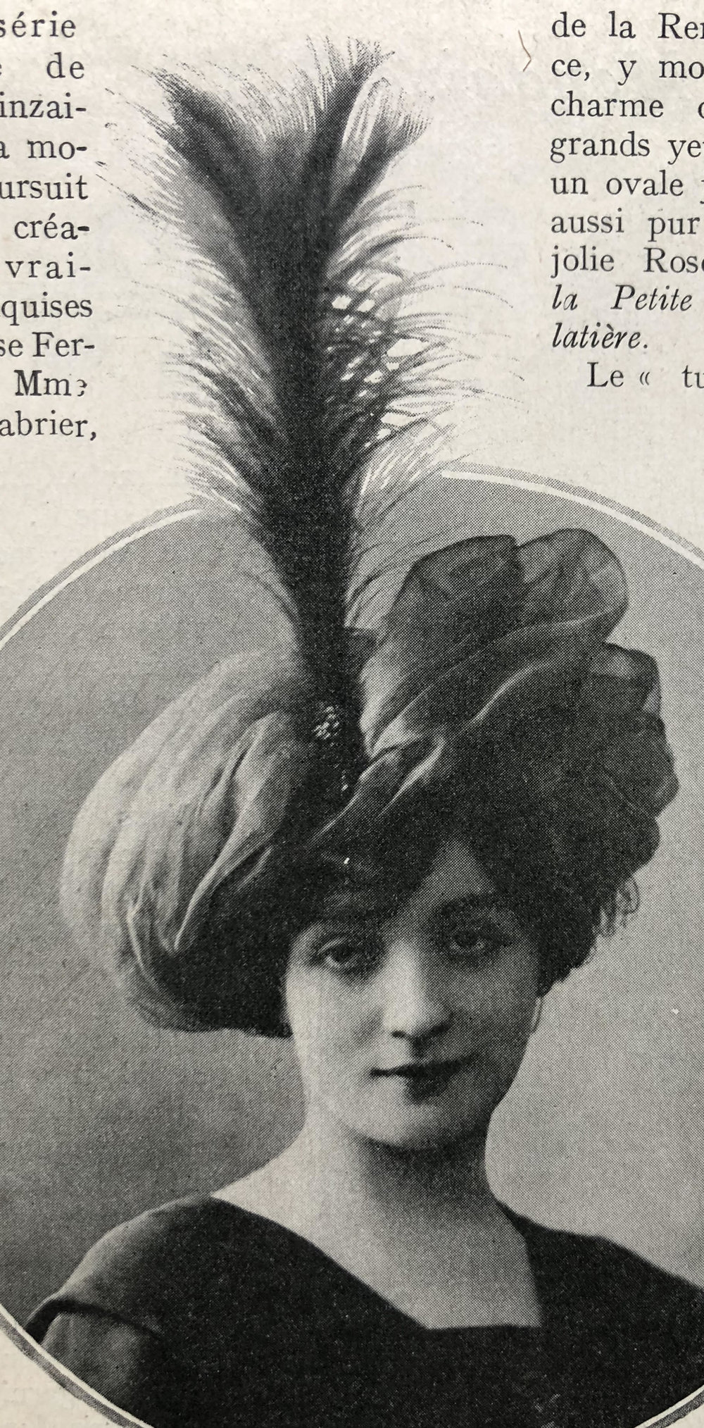 December 1909 Hat by Denise Ferreto Maison Heinz-Boyer, 26, place Vendôme, Paris   This is said to be the ultra Parisian taste in style at the time.