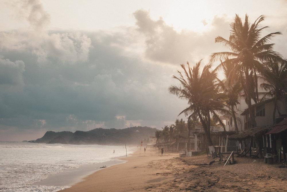Winziger jugendlich Strandakt — bild 6