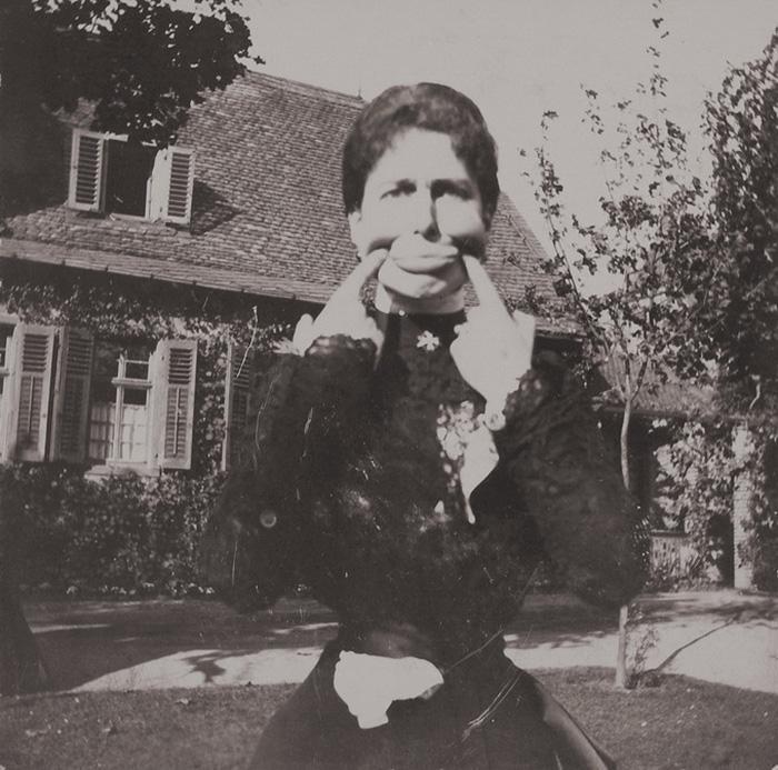 funny-victorian-era-photos-silly-vintage-photography-30-57514b0440539__700.jpg