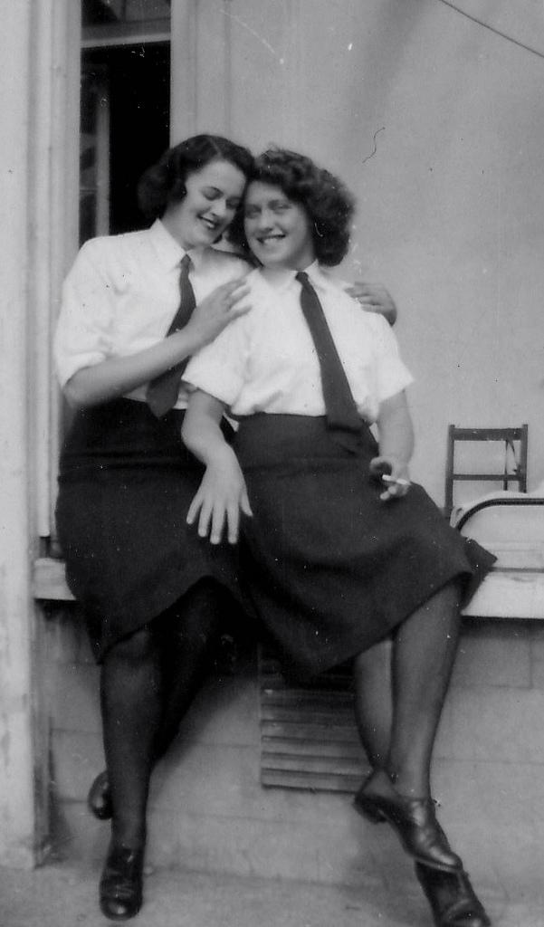1940s-wrens.jpg
