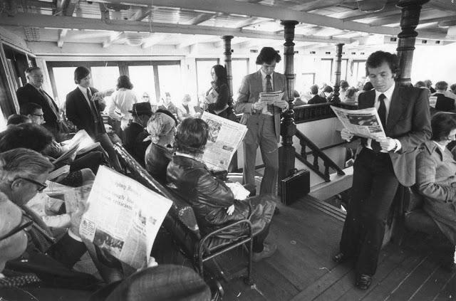 people-reading-newspapers-21.jpg