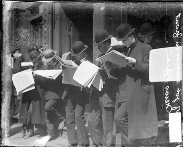 people-reading-newspapers-17.jpg