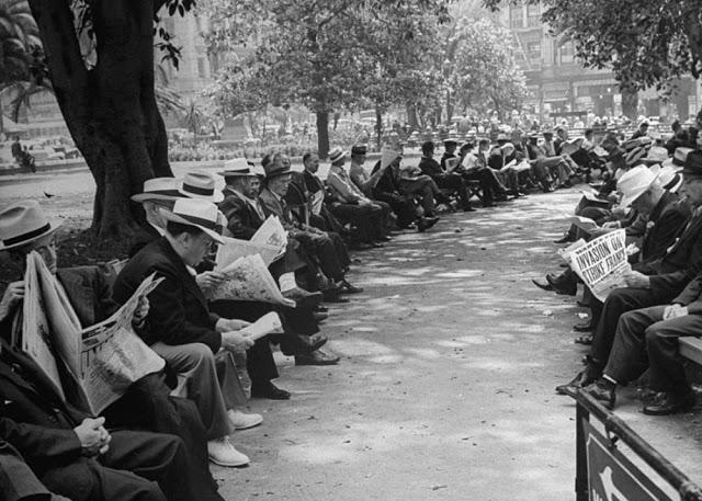 people-reading-newspapers-15.jpg