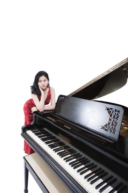 Composer and Pianist Zhihua Hu -