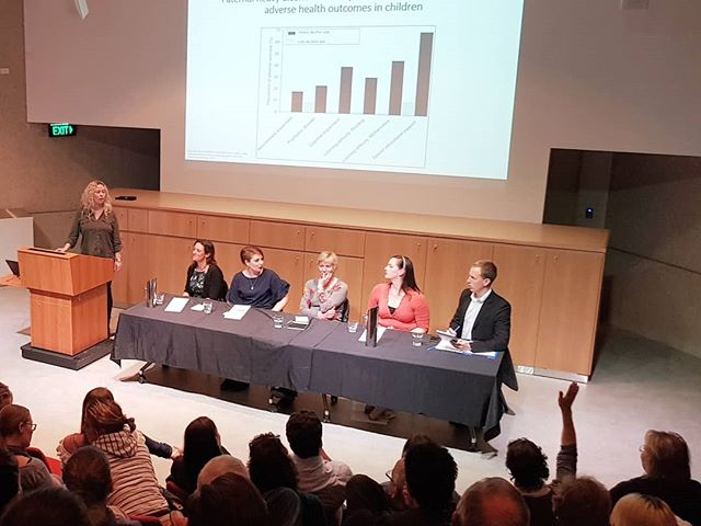 Absolutley loved being part of the 'Spot the Bull S...cience'  panel show last night. Thanks to the amazing crowd - it was a sell out event!  #scicomm #qldmuseum #sciencenation #scienceshow