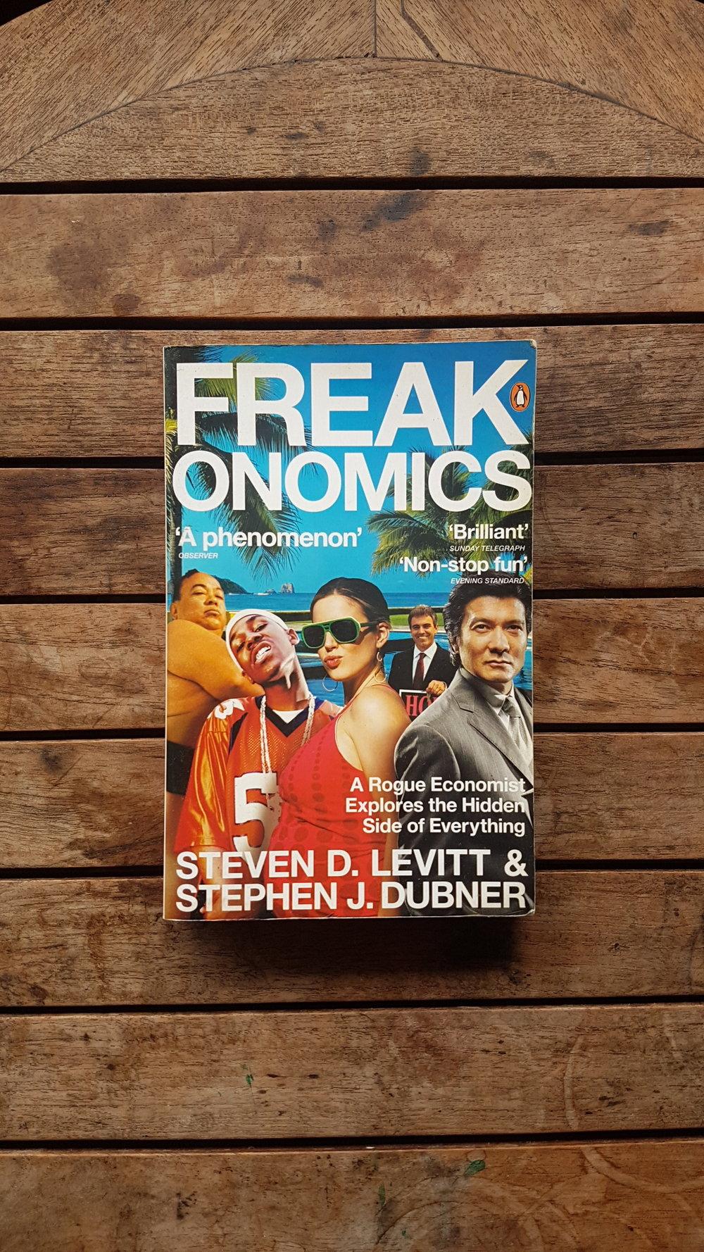 Freakonomics: A Rogue Economist Explores the Hidden Side of Everything   by Steven D. Levitt