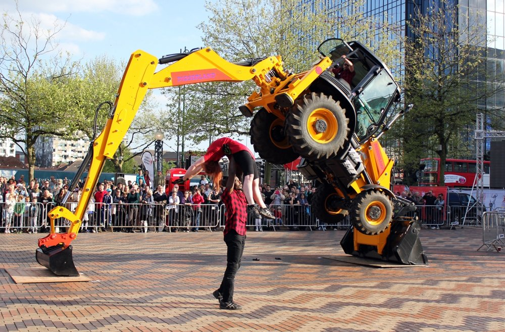 Motionhouse - EXO 11.jpg