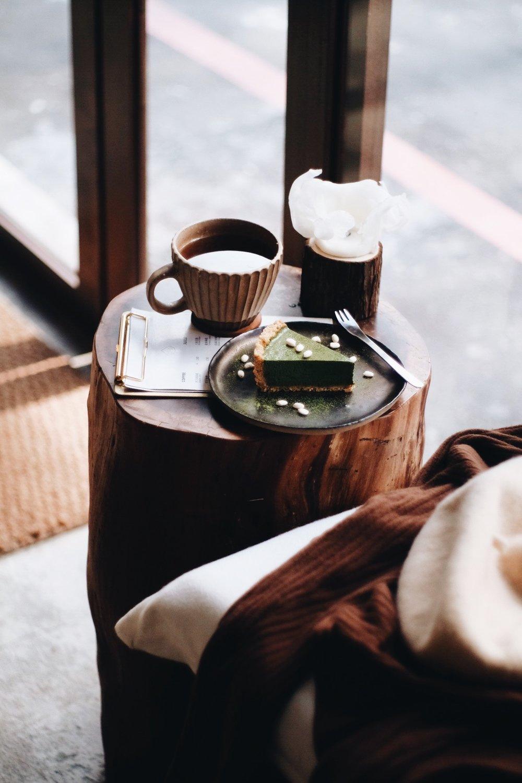 山 波 S I M P L E 𓆹 ˚/  山波 Simple   . 想念山波上的時光 熱咖啡。抹茶蛋糕。