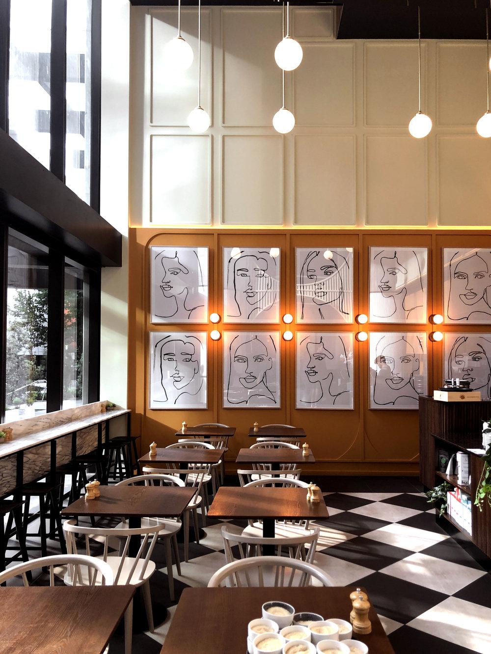 W O R K S H O P B R O S /  Workshop Brothers Southbank  墨爾本河畔南岸的咖啡店 這區是墨爾本新發展的社區  藝術館/公園/新式辦公室住宅/咖啡館分佈有序 完全是城市規劃的理想模樣  從咖啡店也感受到這裡的活力和藝術氣式  love this new lovely branch of workshop brothers at south bank. This is even prettier when the coffee shop is lit up by rays of morning sunlight 📍All Day Eatery 2 Riverside Quay, Southbank Vic 3006