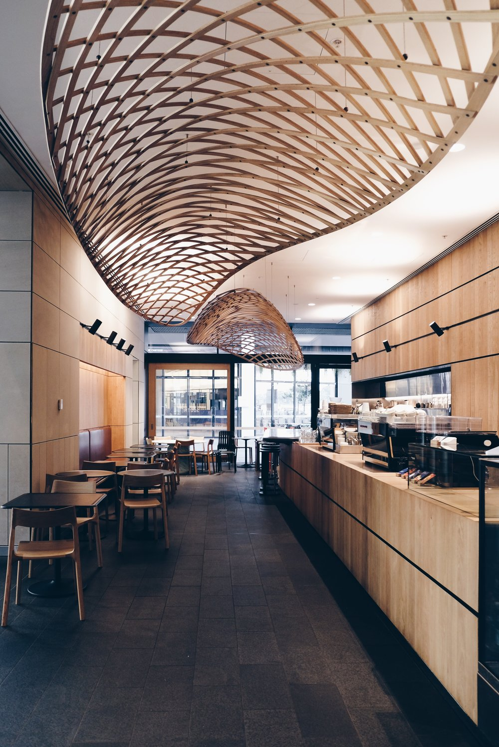 D U K E S / Dukes Coffee Roasters   Dukes spotted in Sydney! This coffee shop from Melbourne shift to the North and opened its branch in Sydney Barangaroo. A completely different vibes from its shop in Melbourne, this one in the North is located in modern office tower lobby.  📍Tower One International Towers  Sydney  100 Barangaroo Avenue