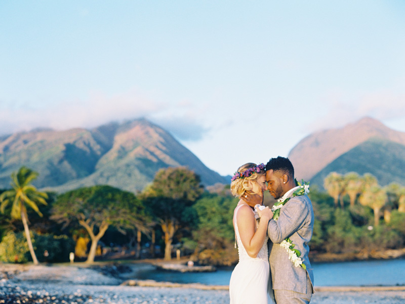 Bride and Groom on Maui | Hawaii wedding traditions | Luxury destination wedding planner | Unveiled Hawaii