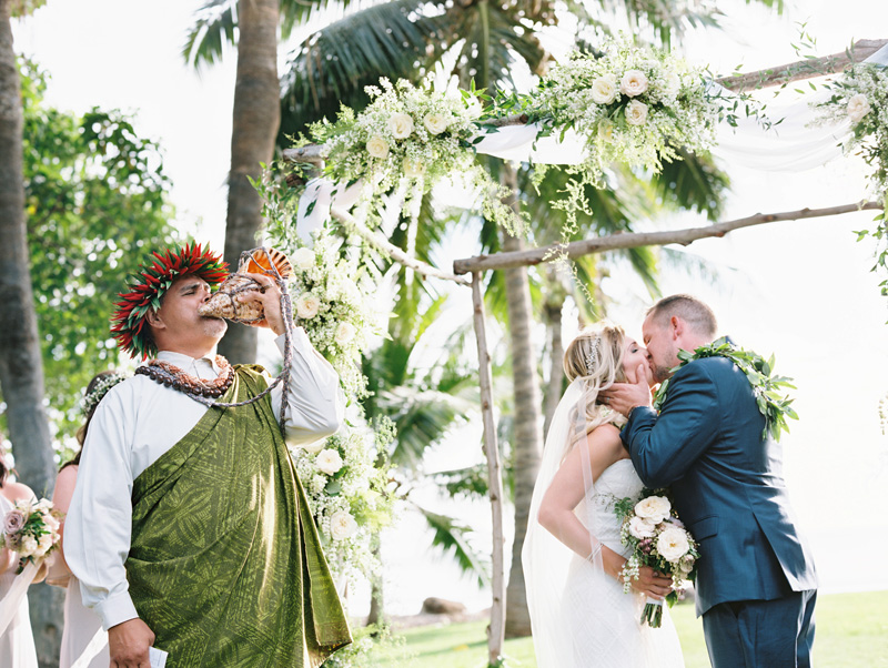 Blowing of the Pu | Hawaii wedding traditions | Luxury destination wedding planner | Unveiled Hawaii