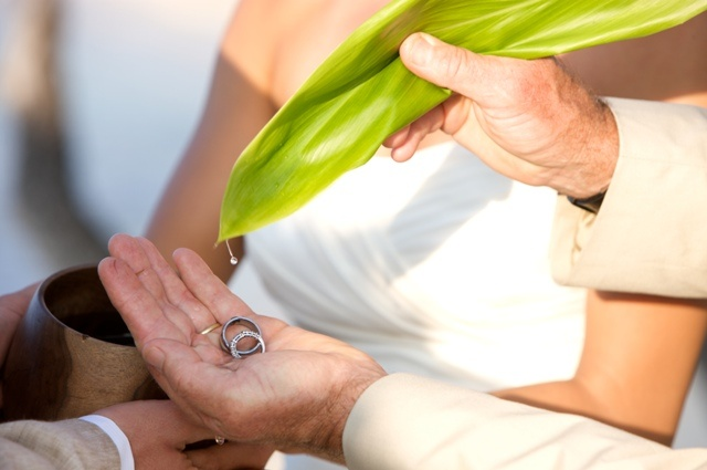 Blessing of the Rings | Hawaii wedding traditions | Luxury destination wedding planner | Unveiled Hawaii