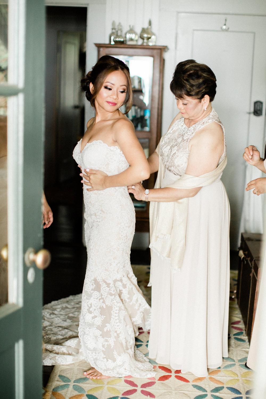 Bride getting ready details | Olowalu Plantation House | Luxury Destination Wedding Planner | Unveiled Hawaii