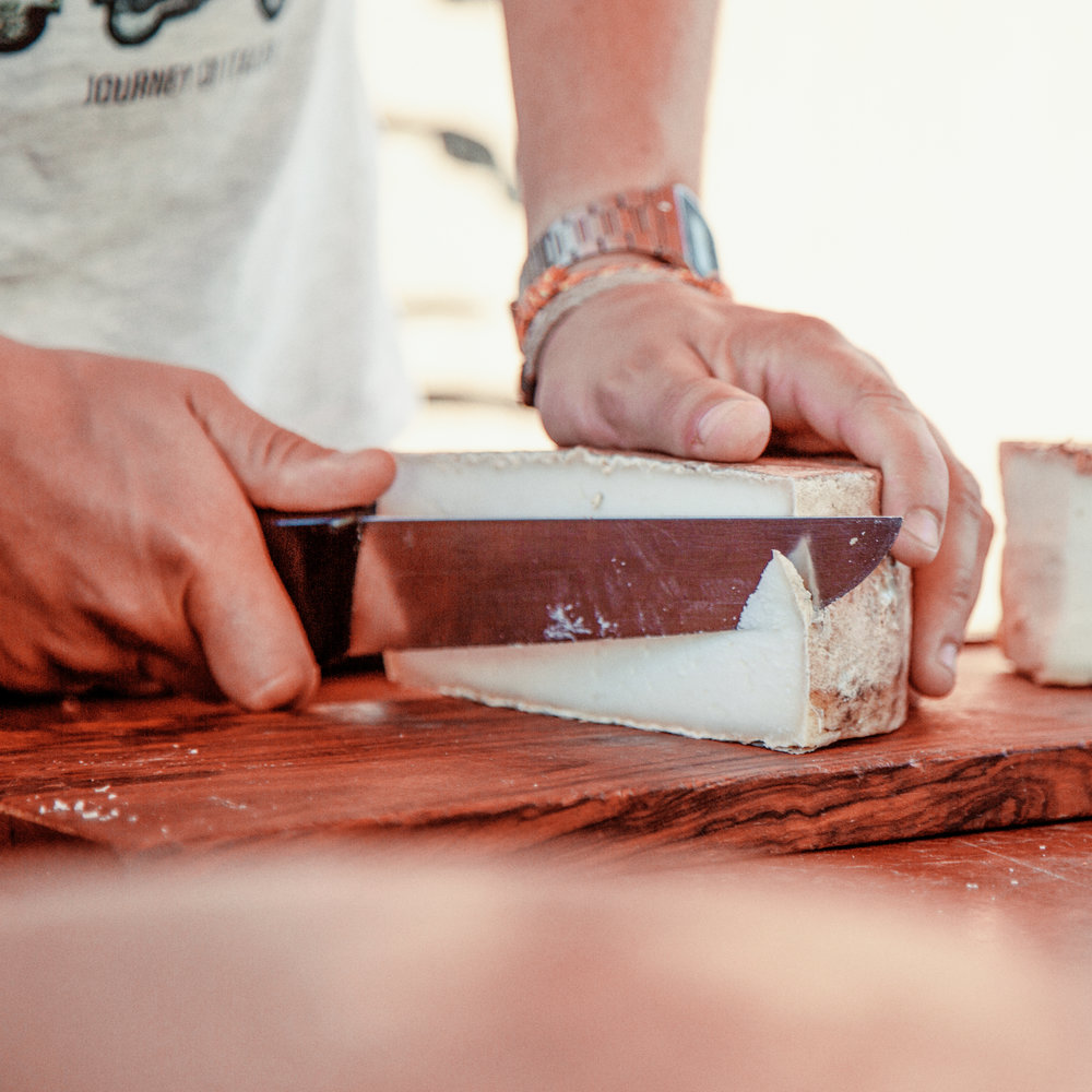 Espai Ermengol, la Seu d'Urgell  Al museu de l'Espai Ermengol s'hi pot visitar un recorregut per la història d'un dels productes estrella de l'Alt Urgell: el formatge