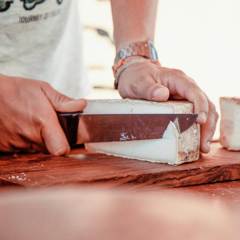 Espai Ermengol, la Seu d'Urgell  En el museo del Espai Ermengol se puede realizar un recorrido por la historia de uno de los productos estrella del Alt Urgell: el queso.
