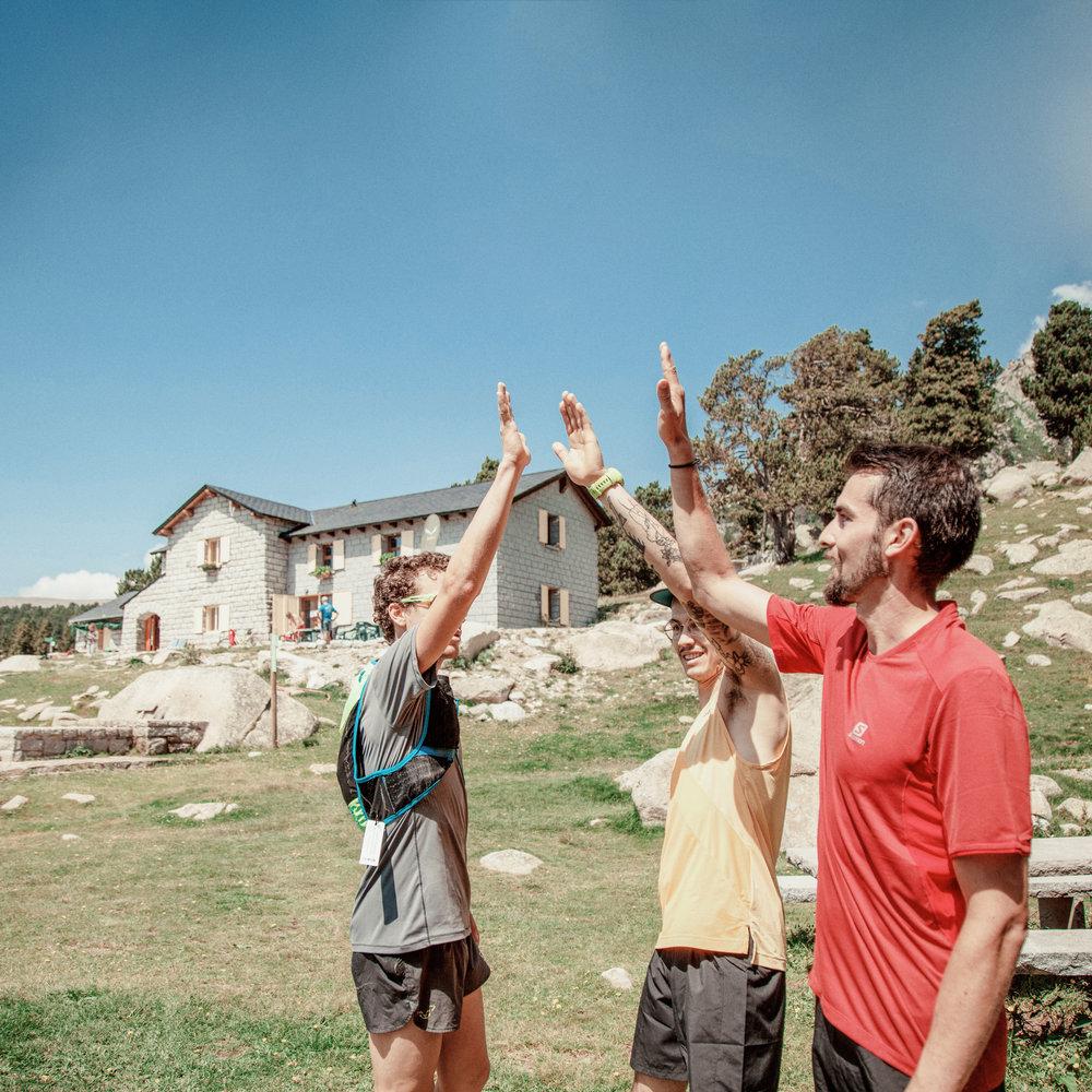 Refugio de Malniu  Refugio guardado con 54 plazas. Situado junto al estanque de Malniu, en la Reserva Nacional Cerdanya-Alt Urgell.