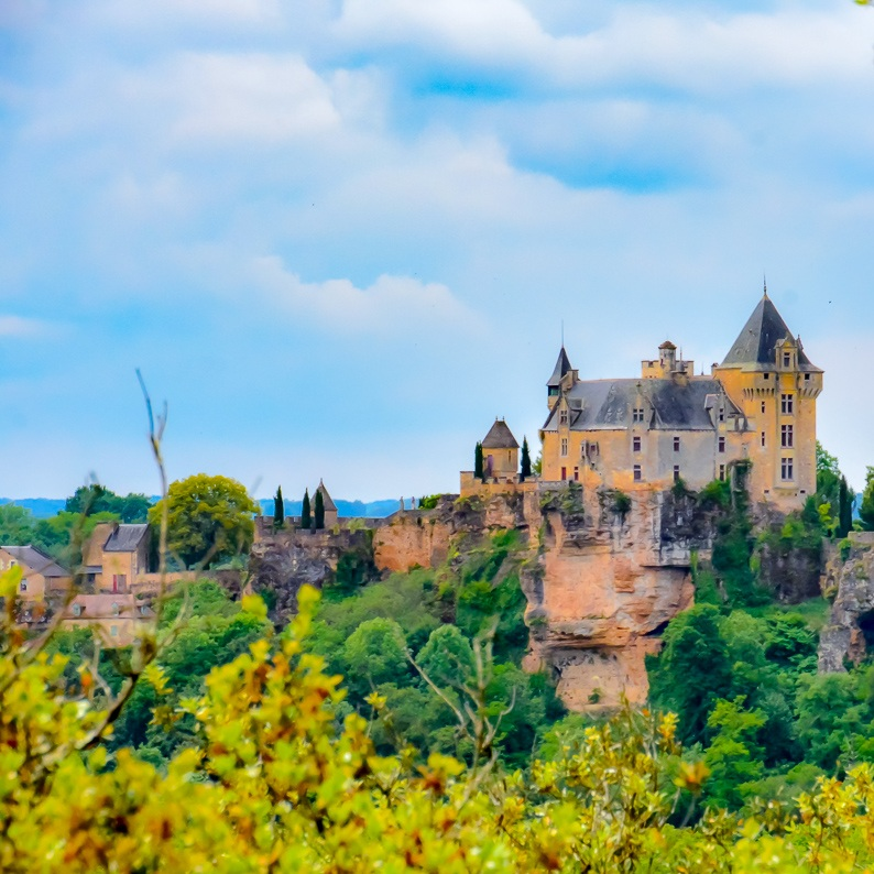 Castle in Dordogne.jpg