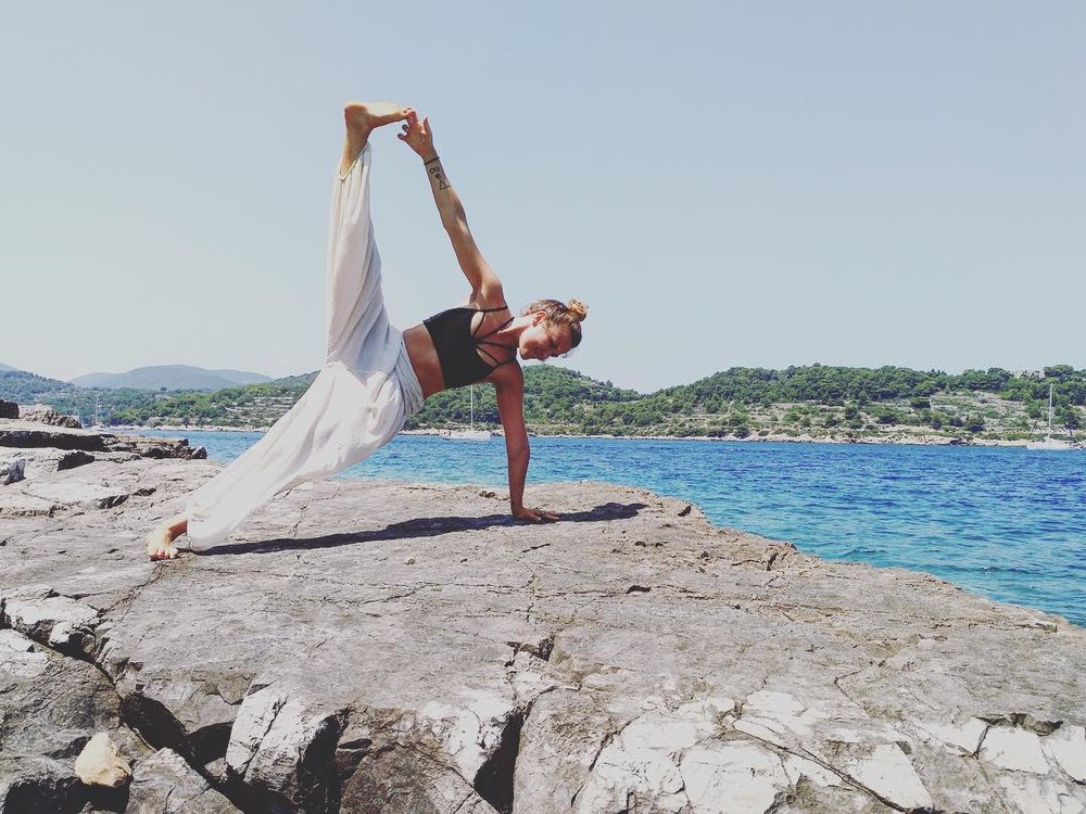 Rosie Markwick - Yoga Teacher & SUP Coach