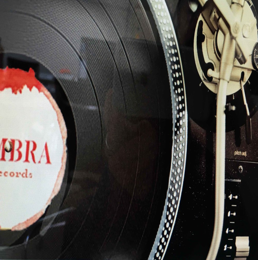 ombra records crop_R.jpg
