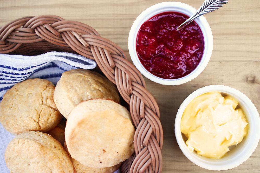 momandtinas-hot-biscuits.jpg